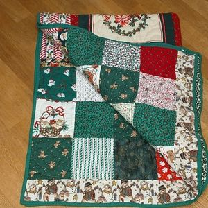 Handmade Christmas Patchwork Quilt Throw/Cover lap